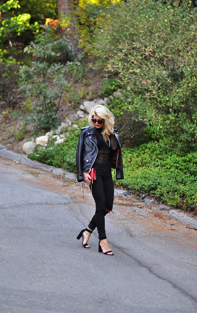 black outfit_red accessories_biker jacket