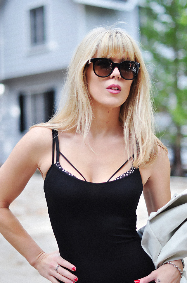 blonde bangs_ oversized round sunglasses