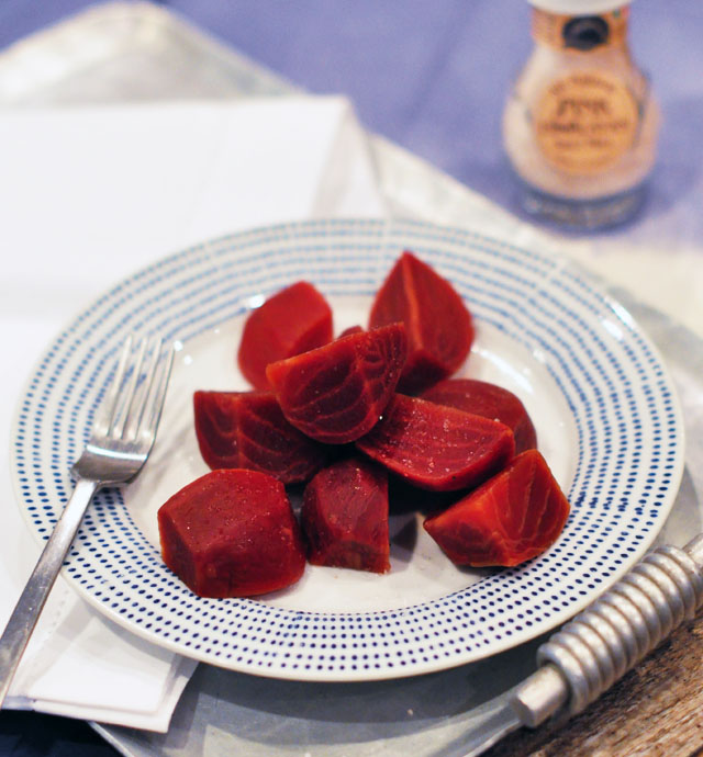 boiled beets with salt