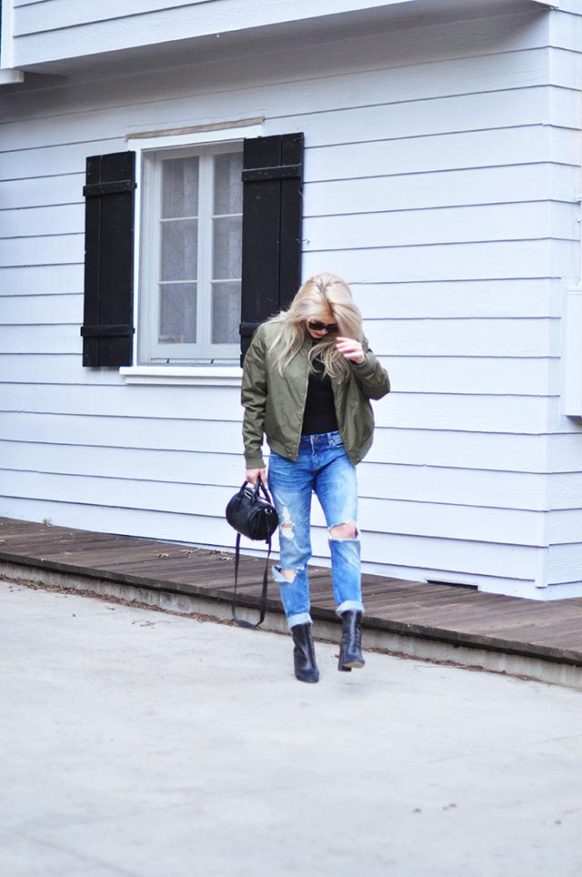 bomber jacket_boyfriend jeans