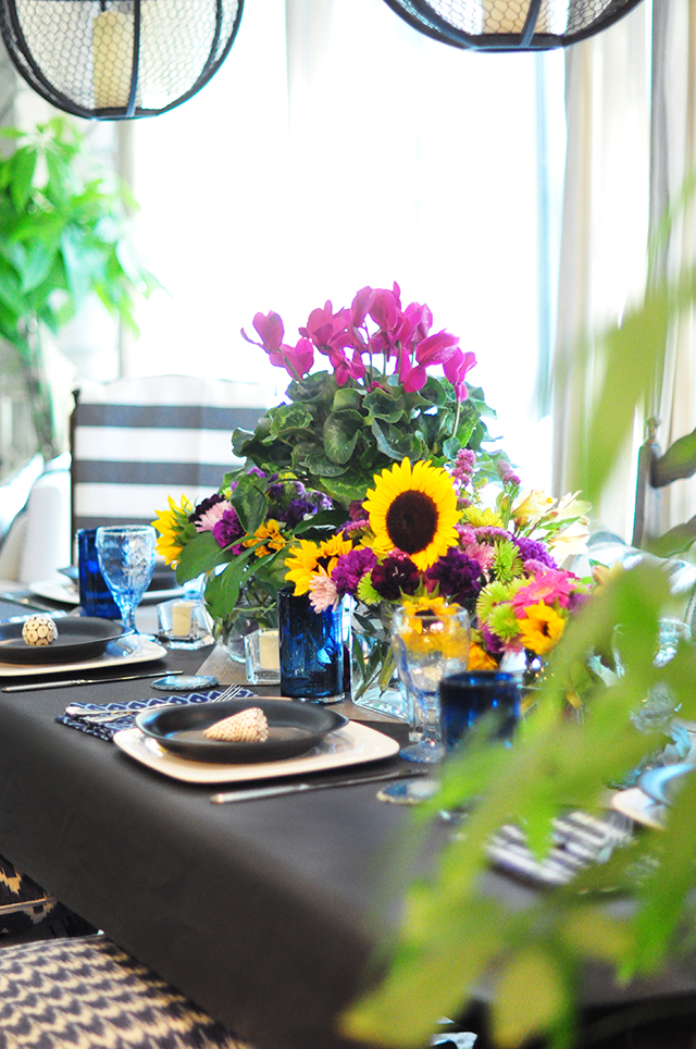 Late summer tablescape floral centerpiece arranging