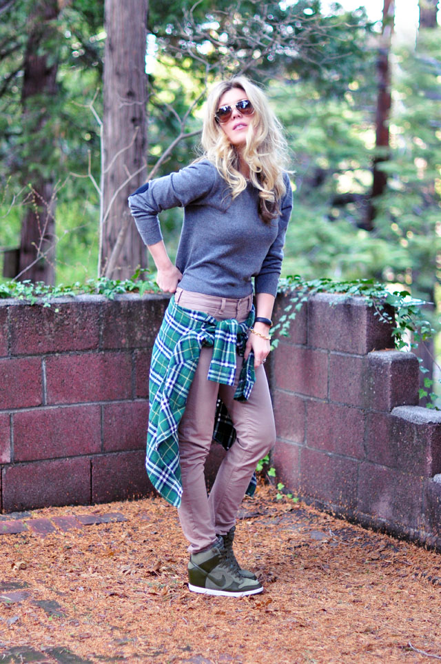 casual weekend outfit-plaid-green-nike wedge sneakers