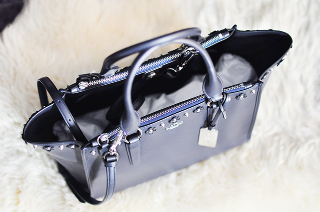 coach-tote-bag-with-studs