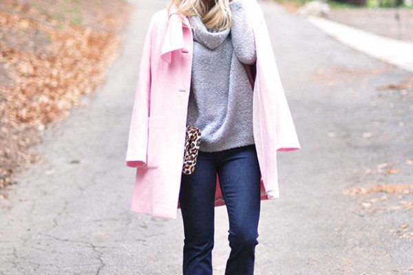 cozy outfit-pink coat-jeans-boots