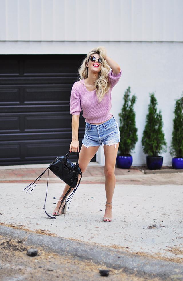 cut off high wasit denim shorts+pink sweater