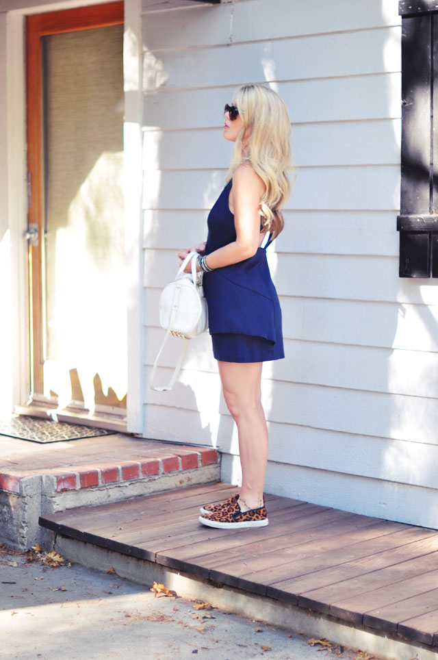 cute dress with leapard sneakers