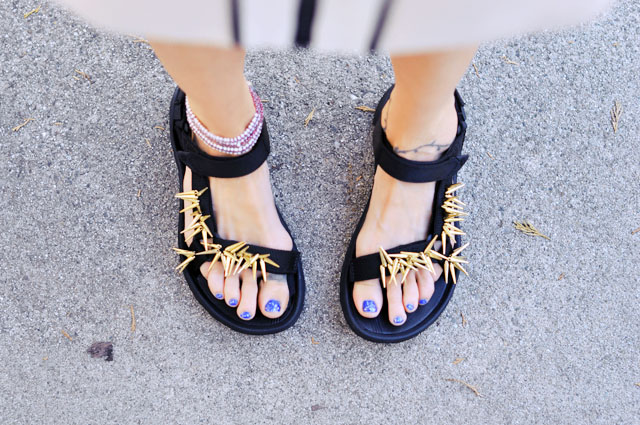 diy embellished sandals - sporty sandals-tevas