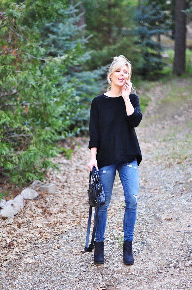 easy casual style_jeans and open back sweater