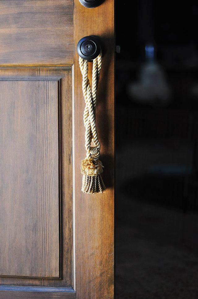 fall decor_tassel on the doorknob