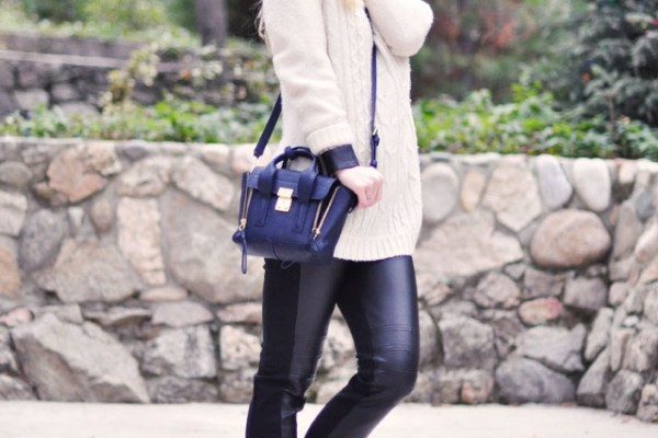 faux leather leggings-winter outfit
