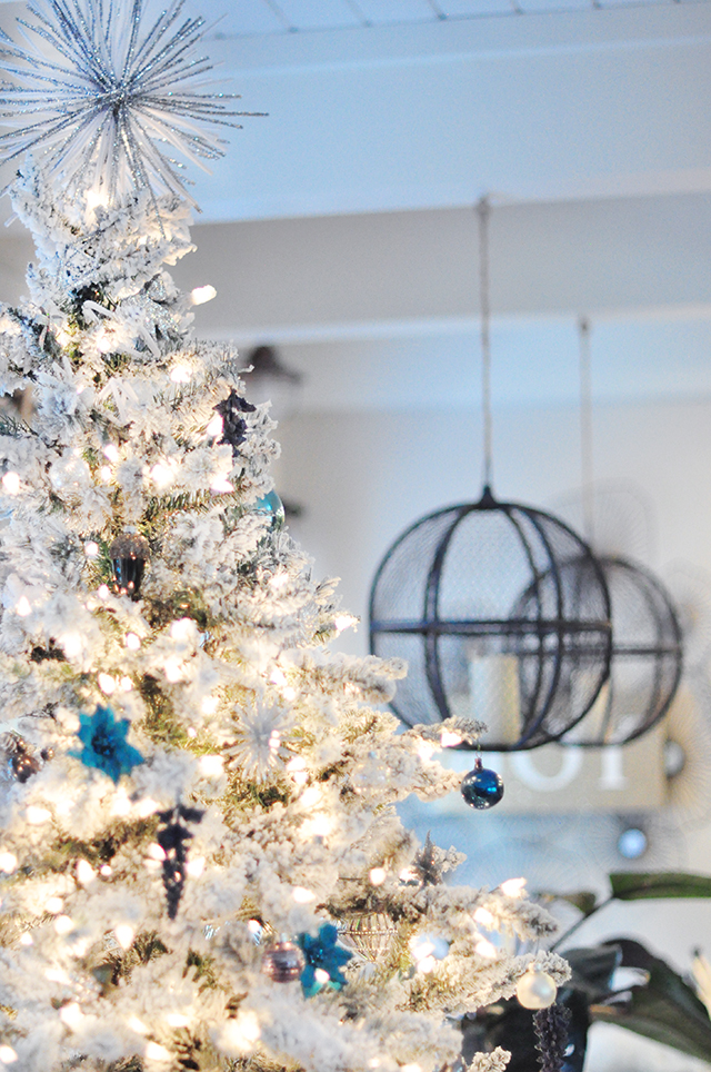 flocked christmas tree_holiday home decor