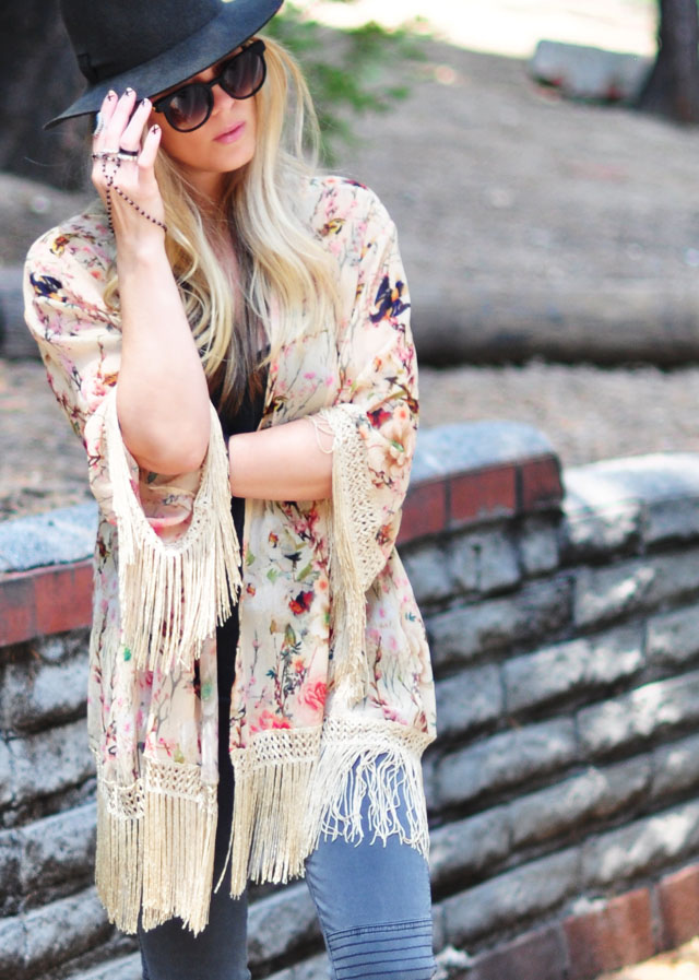 floral fringe kimono+x nails+boho accessories+thierry lasry sunglasses