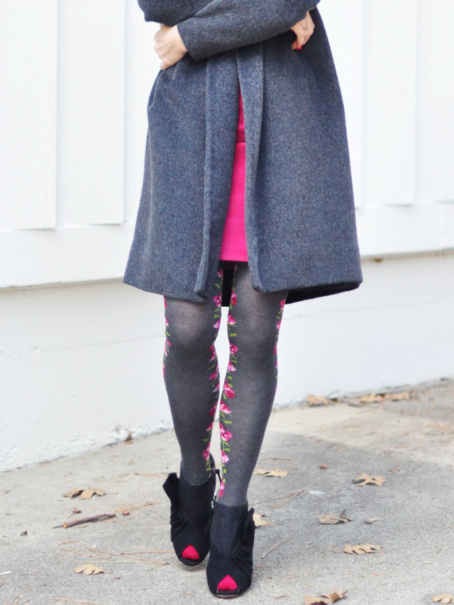 gray and pink-pink flower tights -heart toe caps