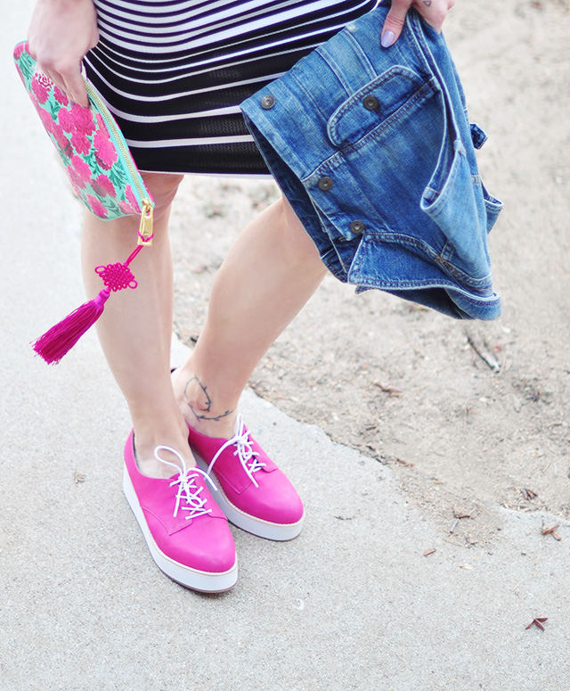 hot pink lace up flatforms_marc jacobs clutch with tassel