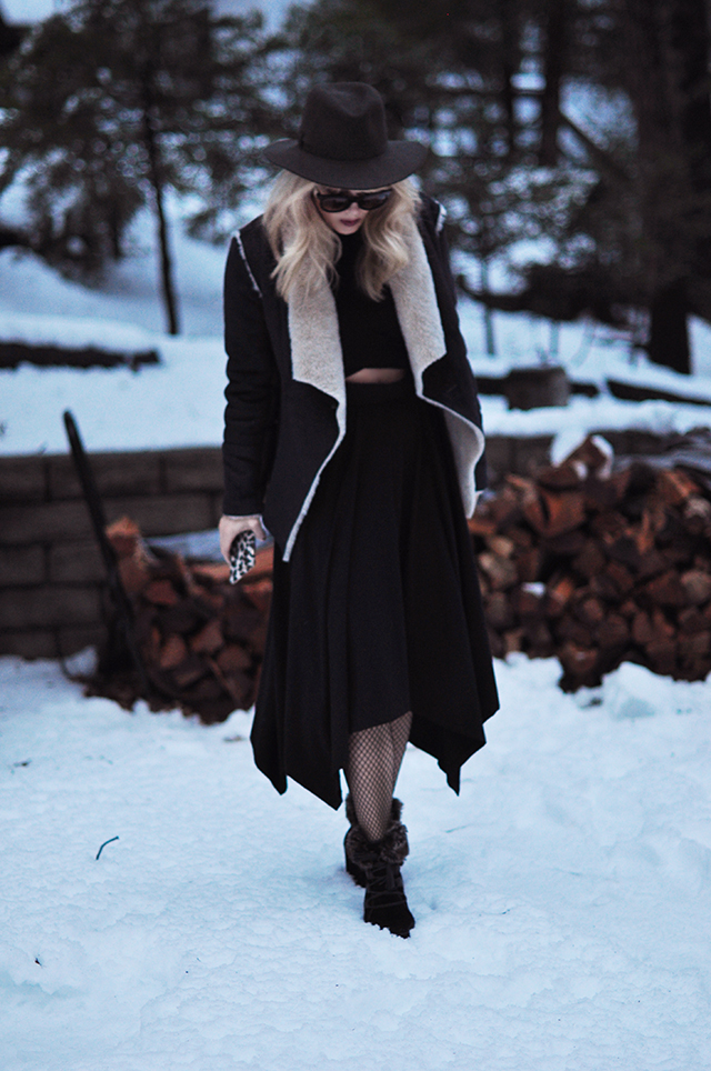 layered in the snow_ hat+fishnets+shearling