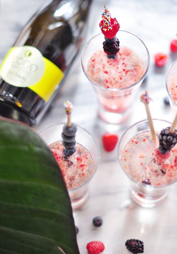 mixed berry summer prosecco cocktail 10