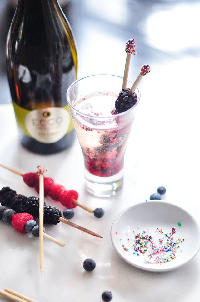 mixed berry summer prosecco cocktail 4
