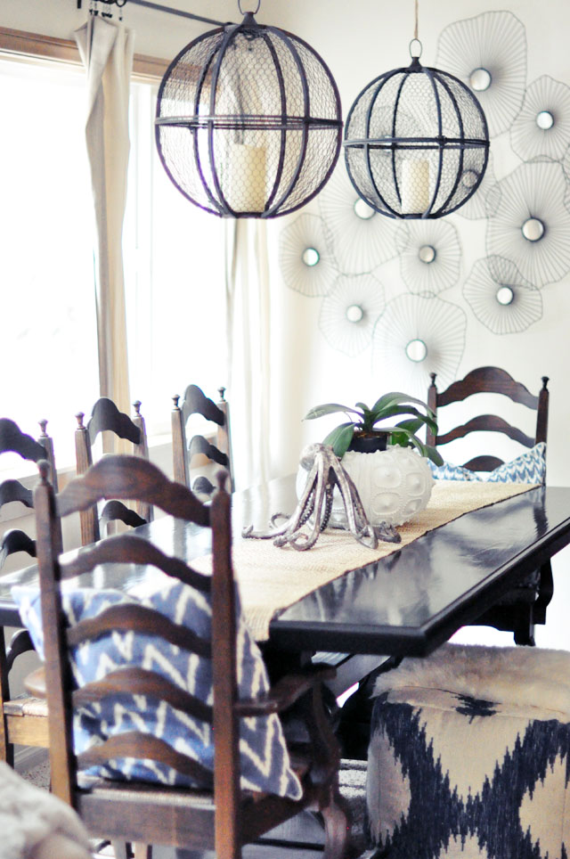 mixed seating dining room-rustic beachy