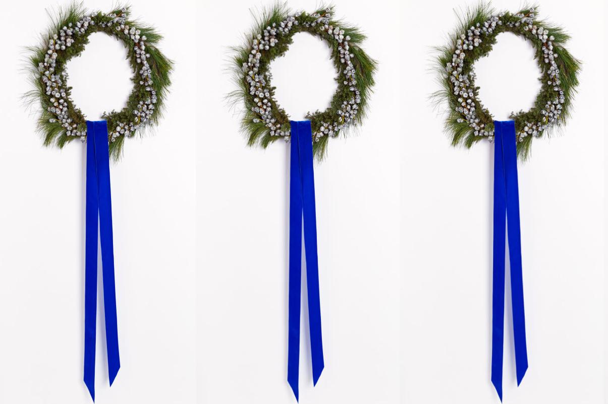 modern minimal wreath_blue velvet ribbon_1