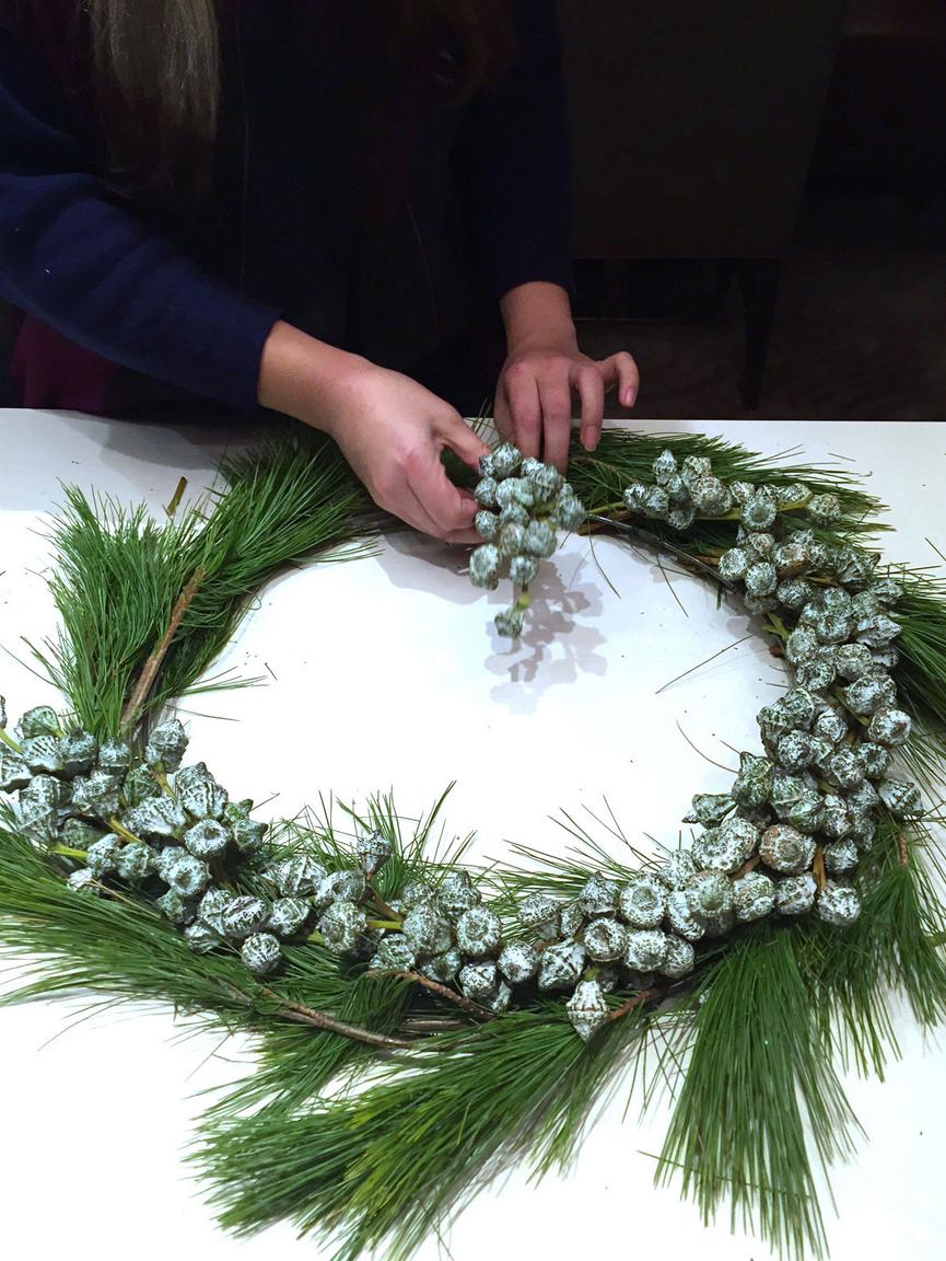 modern minimal wreath_blue velvet ribbon_4
