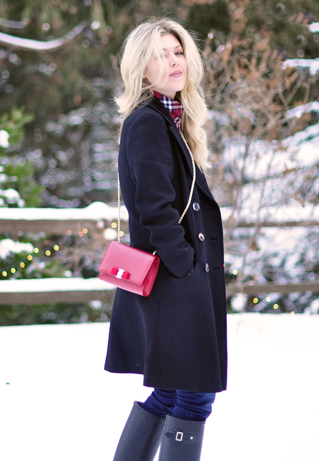 navy+black + red in the snow