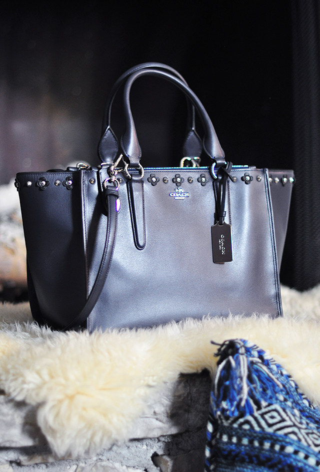 navy-coach-tote-bag-with-studs