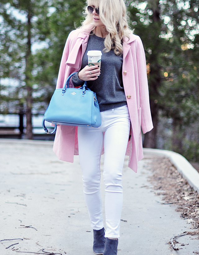 pink coat_blue bag_pantone 2016_white jeans