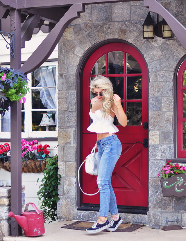 red door_disney house_jeans+cropped peplum top+vans