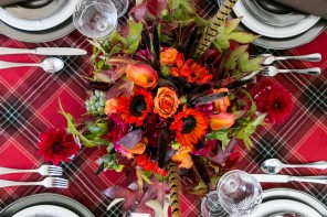 Rustic Chic Thanksgiving Table Decor Using Tartan Plaid