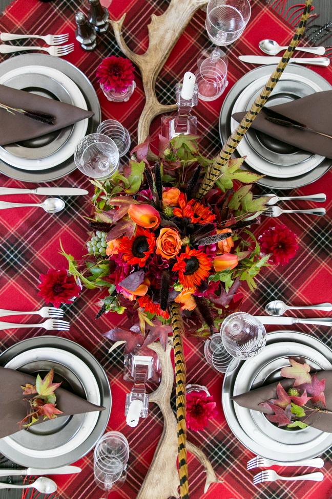 Rustic Chic Thanksgiving Table Decor Using Tartan Plaid ...