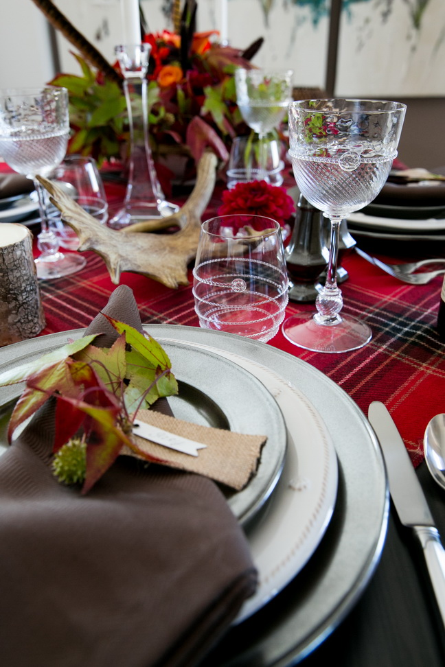 rustic-chic-thanksgiving-table-decor-38