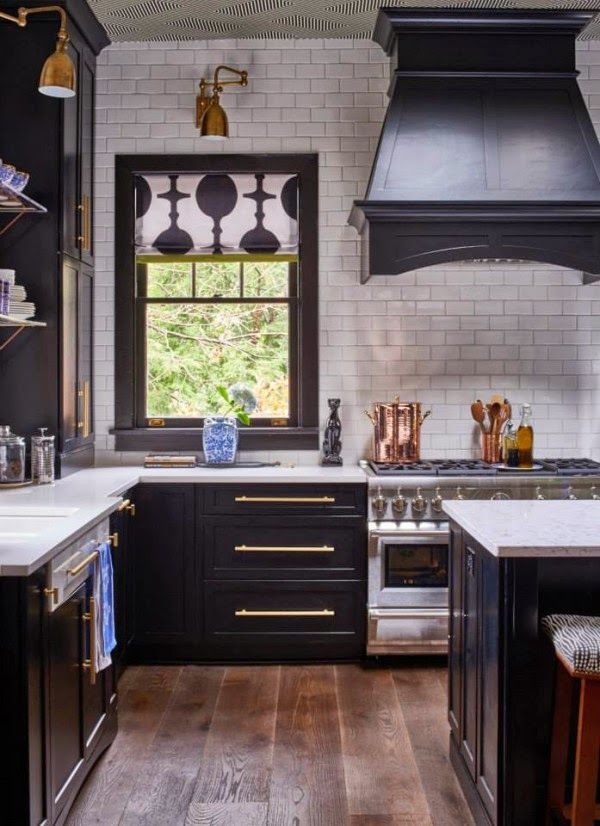 navy and white kitchen ideas