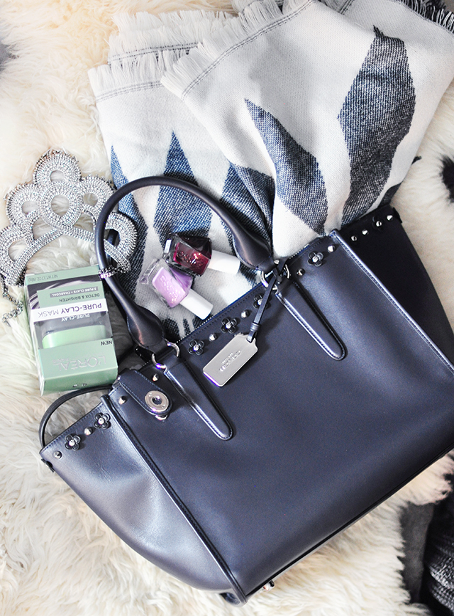 studded-coach-tote-bag-giveaway