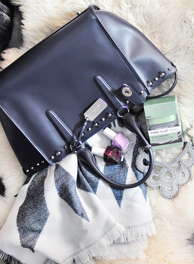 studded-coach-tote-baggiveaway