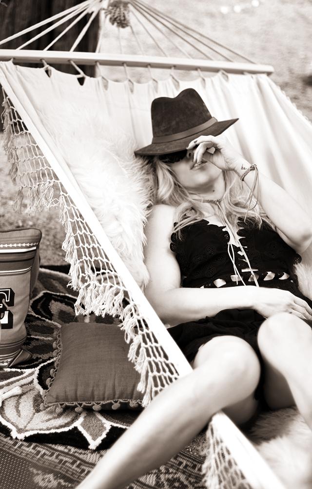 summer hammock life