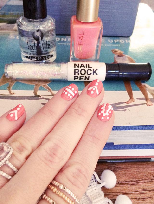 summer nails with nail rock pen