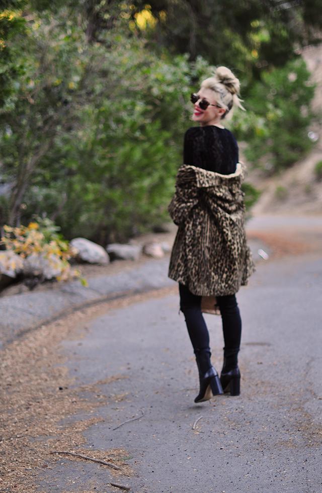 vintage-leopard-coat