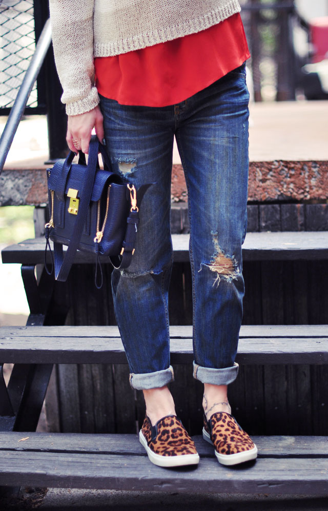 weekend jeans+leapard shoes-fall colors