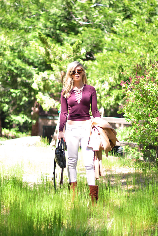 white jeans with warm fall tones