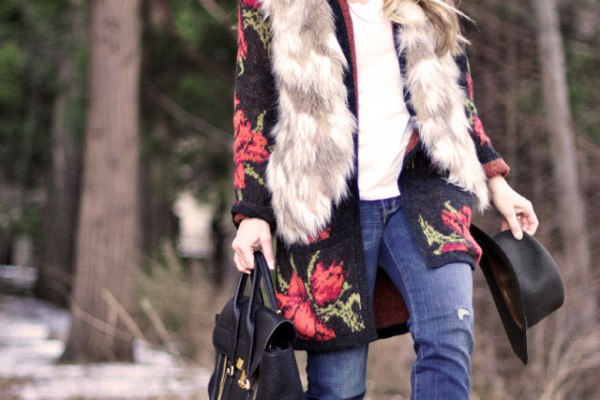 woodsy outfit - jeans-fur vest-rose cardigan